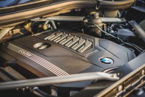 Review BMW X6 vs X7, Kira-kira Mahalan Mana ya?
